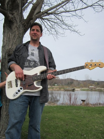Chris Kuykendall, bass guitar